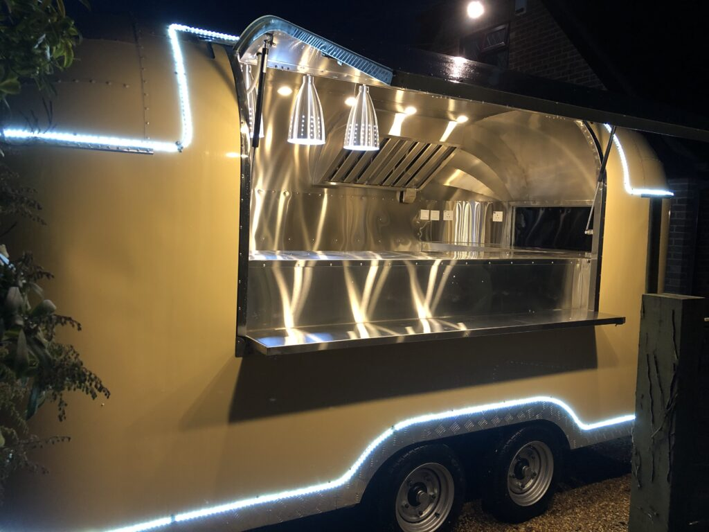 Catering, street food and mobile bar trailers: IMG 4409 1 1024x768 About Us